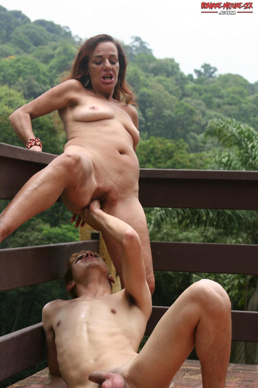 Worst mom naked selfies