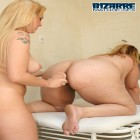 Older housewife gets fisted by young girlfriend