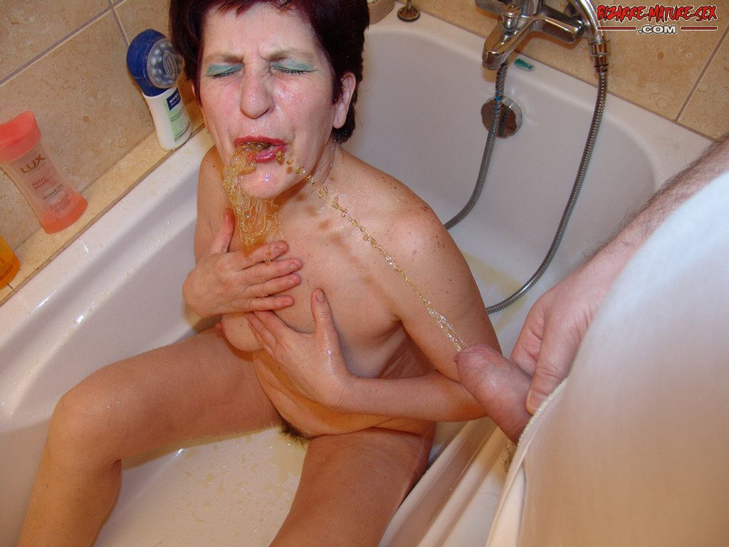 Golden shower mature magdalena