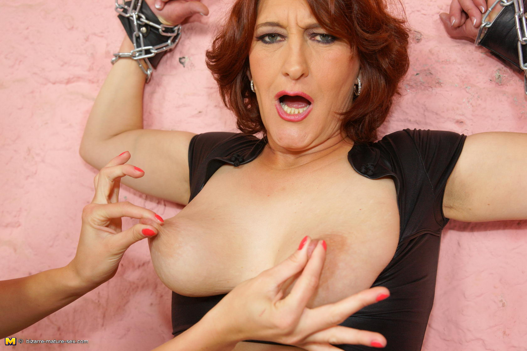 Hard fisting mature slut