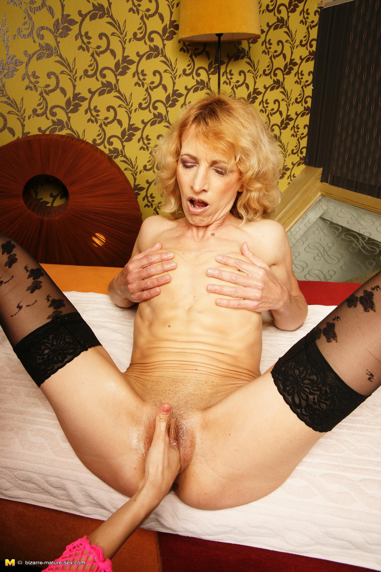 horny-housewifes-fisting-virgine-anal-pic