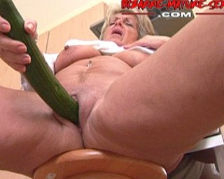 Piss and toys is what this mature nympho craves