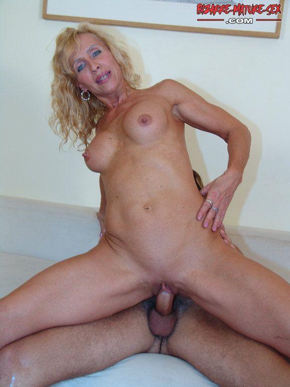 Mature blonde sucking and fucking hard