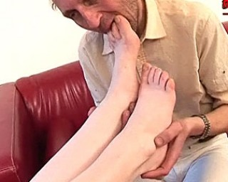 Mature slut getting fucked real good