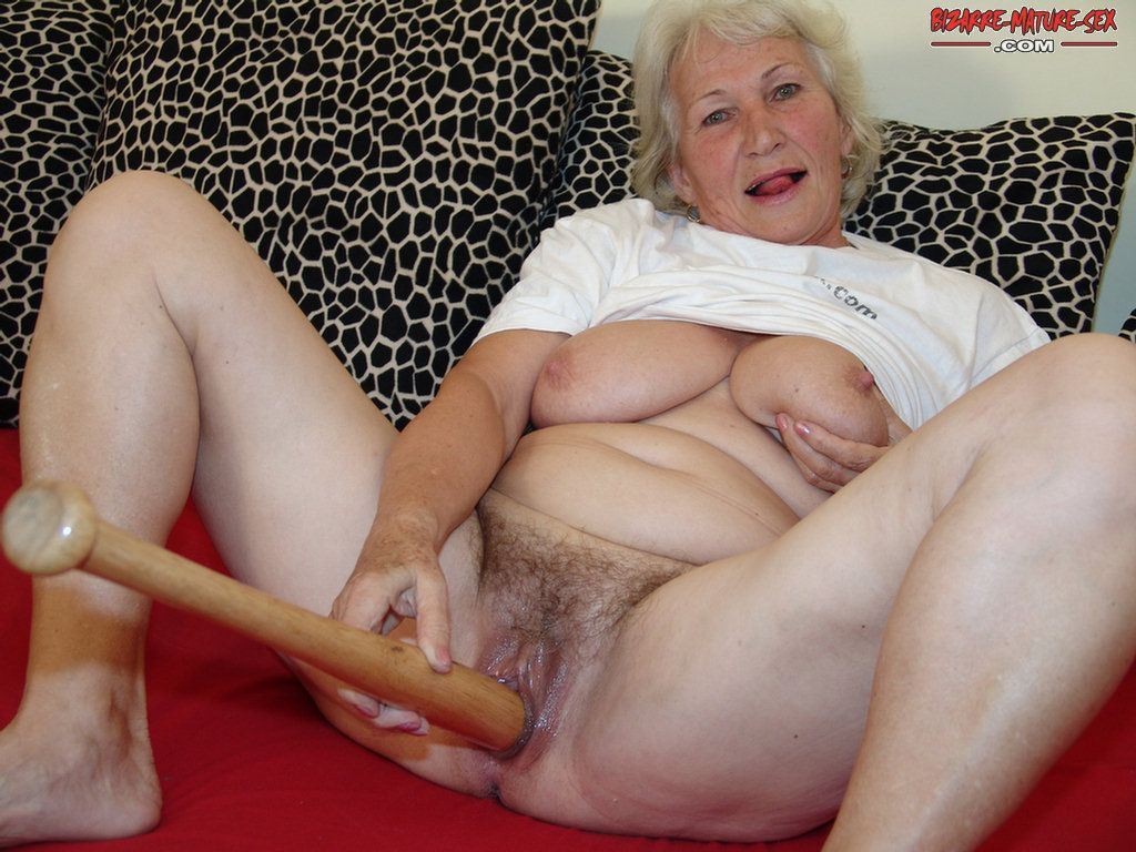 Bat Porno granny gets off on a baseball bat - granny nu